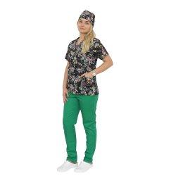 Costum medical Black Butterfly, cu bluza cu imprimeu  si pantaloni verde cu elastic