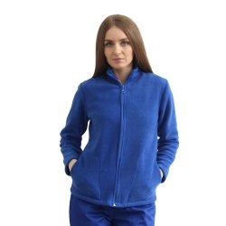 Jacheta medicala polar albastru cu doua buzunare aplicate